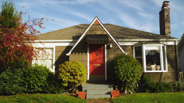 ws residential home in suburb of portland / portland, oregon, usa - establishing shot stock videos & royalty-free footage