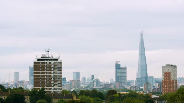 stockvideo's en b-roll-footage met residential towers and skyscrapers, london - establishing shot