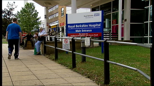 residents complain about rat infestation following death of elderly woman r05081004 entrance to royal berkshire hospital accident and emergency sign... - infestation stock videos & royalty-free footage