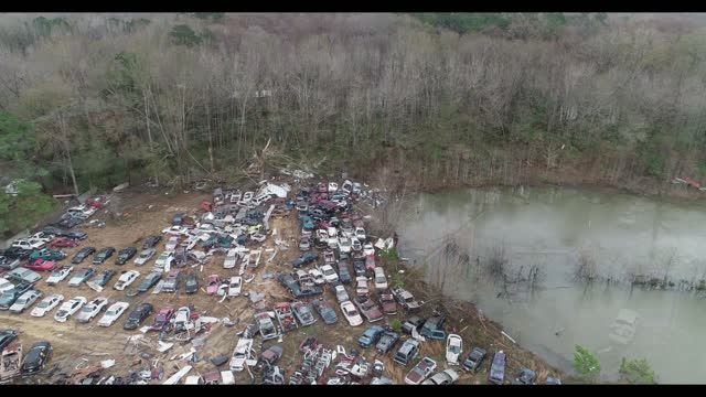 residents of columbia, mississippi, were surveying damage after a stormy weather spawned multiple tornadoes across the state on december 16. this... - columbia center bildbanksvideor och videomaterial från bakom kulisserna