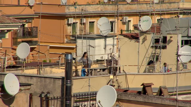 residents of rome exercising on rooftops during the coronavirus crisis - roof stock videos & royalty-free footage