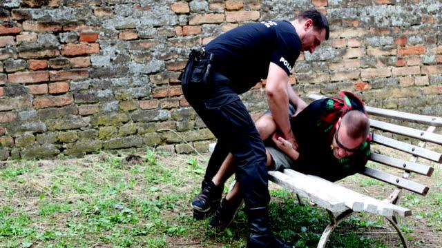 vidéos et rushes de obtempérer - police force