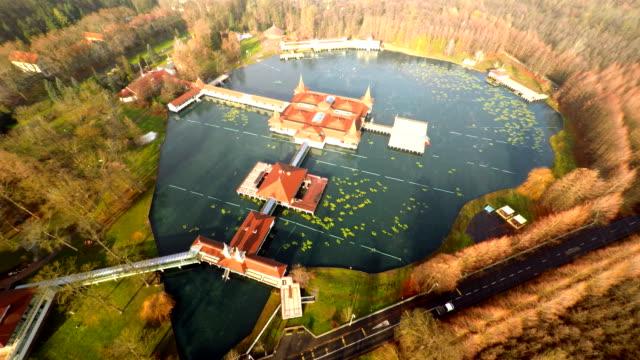 heviz aerea del resort in ungheria - ungheria video stock e b–roll