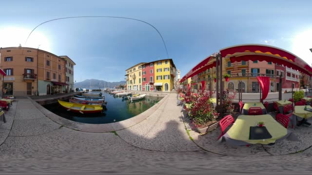 360 vr / restaurant at port of italian village of castelletto - 360 video stock videos & royalty-free footage