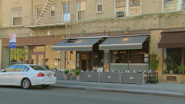 ms restaurant with outdoor seating / new york, new york, usa - sequential series stock videos & royalty-free footage
