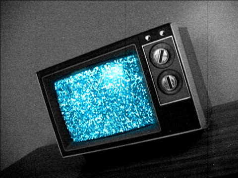 stockvideo's en b-roll-footage met retro television & static - analog