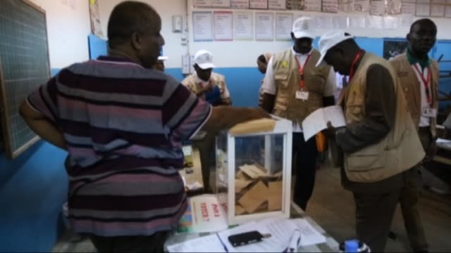 vídeos de stock, filmes e b-roll de returning officers count the ballots during the djiboutian presidential elections in a polling station at zps primary school in djibouti city... - primary election