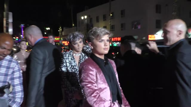 vidéos et rushes de reuben de maid & cohl woolbright arriving to the american influencer awards at dolby theatre in hollywood in celebrity sightings in los angeles, - the dolby theatre