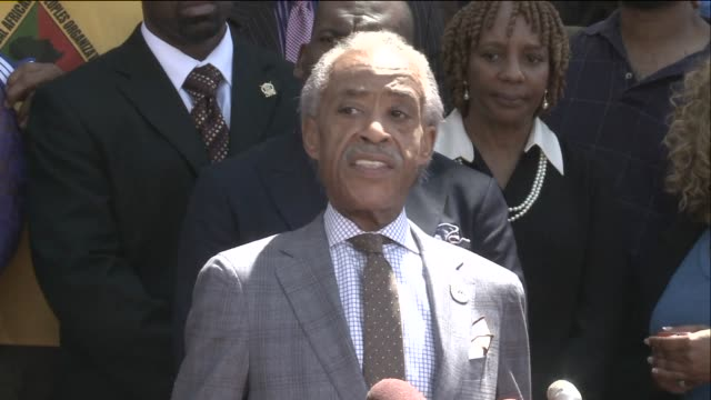 ktvi rev al sharpton and michael brown's father speak outside the old st louis county courthouse on aug 12 2014 - al sharpton stock videos & royalty-free footage