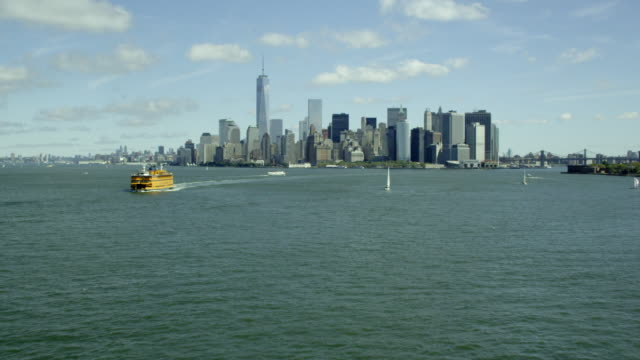WIDE reveal of Downtown Manhattan