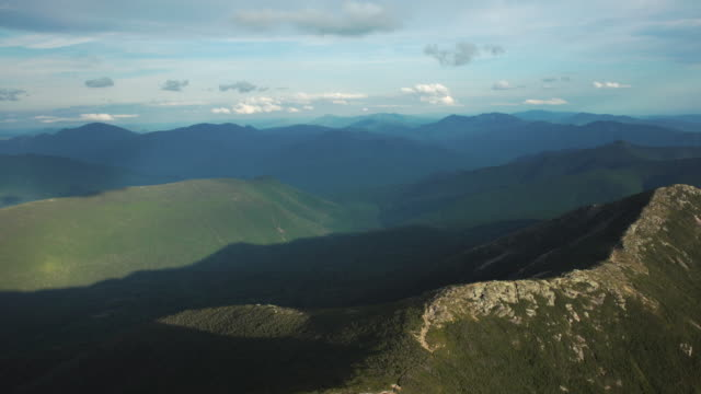 Reveal Of Franconia Ridge Line Moving South