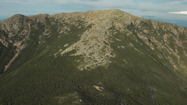 stockvideo's en b-roll-footage met reveal of the pemigewasset wilderness from mount lafayette - georgia us state