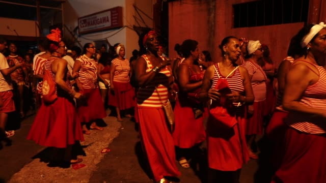 Revelers gather during a preCarnival 'street practice' for the Salgueiro samba school on January 25 2018 in Rio de Janeiro Brazil In spite of a...