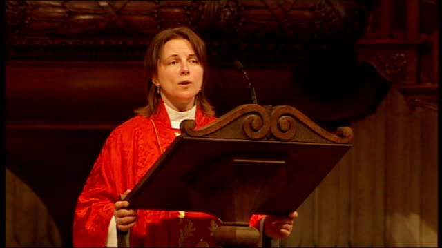 Reverend Lucy Winkett conducts St Paul's service More of woman priest leading service SOT