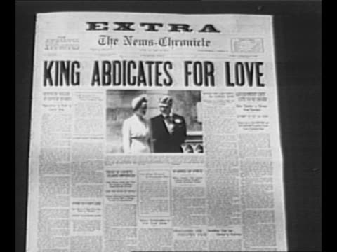 "vídeos de stock, filmes e b-roll de reverse angle typesetting frame as vo typewriter sounds letters appear individually to form mirror image of words ""greatest headlines"" on one row and... - primeira página de jornal"