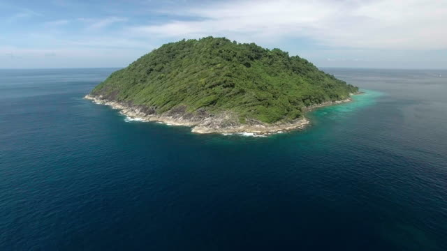 reverse shot to reveal an entire private tropical island, similan islands, thailand - david ewing stock videos & royalty-free footage