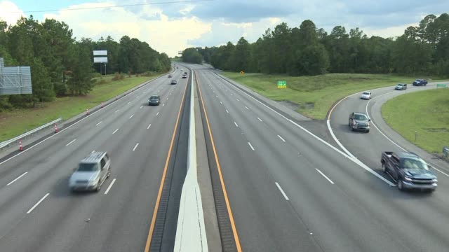 reverse traffic is in effect on several south carolina highways to facilitate evacuation ahead of the arrival of hurricane florence a powerful... - evacuation stock videos & royalty-free footage