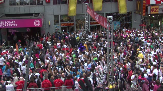 revlon run walk participants at the 14th annual entertainment industry foundation revlon run/walk for women at new york ny - revlon stock videos and b-roll footage