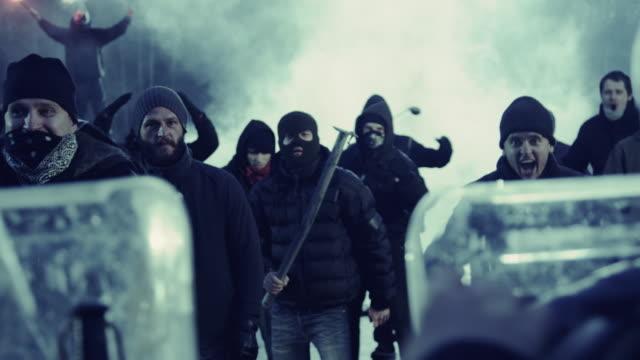 revolution - demonstration stock-videos und b-roll-filmmaterial