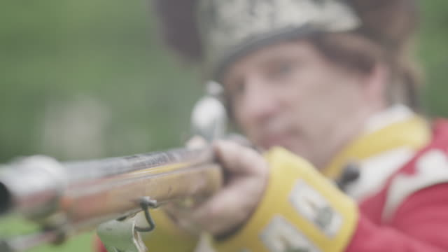 revolutionary war officer aims musket with bayonet - bayonet stock videos & royalty-free footage