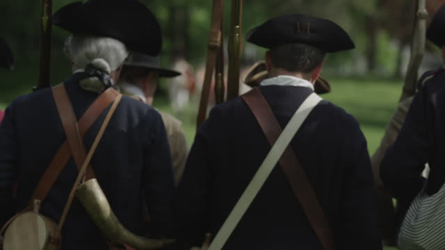 revolutionary war soldiers marching toward british - colonial stock videos & royalty-free footage