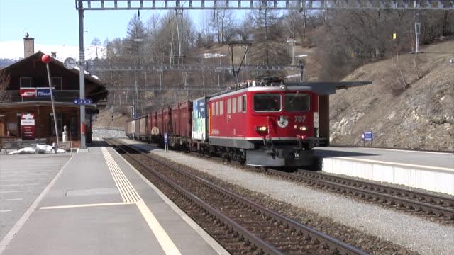 rhaetian railway - rhätische bahn - 貨物列車点の映像素材/bロール
