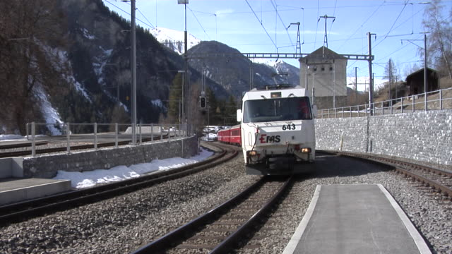 rhaetian railway - rhätische bahn - railway track点の映像素材/bロール