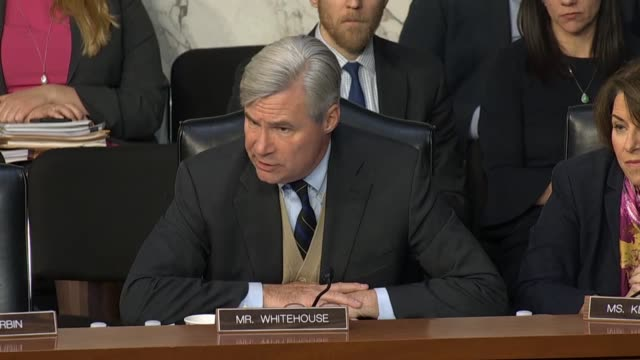 rhode island senator sheldon whitehouse repeats that he had asked attorney general nominee william barr at his confirmation hearing in the senate... - 法廷審問点の映像素材/bロール