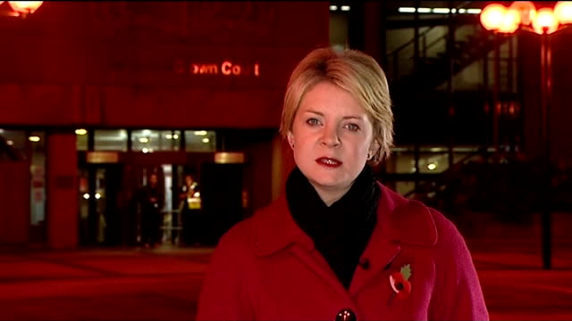 rhys jones murder trial night reporter to camera - itv news at ten bildbanksvideor och videomaterial från bakom kulisserna