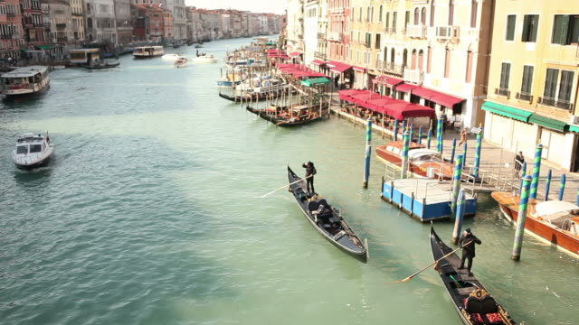 rialto bridge in venice - grand canal venice stock videos & royalty-free footage