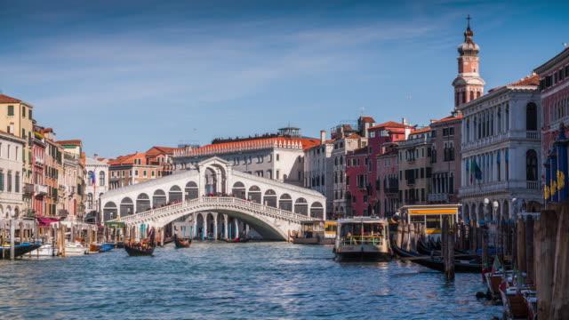vídeos y material grabado en eventos de stock de puente de rialto-venecia, italia - puente de rialto