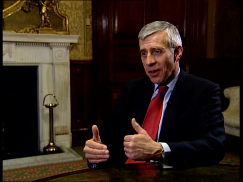 vídeos de stock e filmes b-roll de rice rules out military action for now england london foreign office jack straw mp interview sot not a difference of opinion of the problem posed by... - john w. snow político