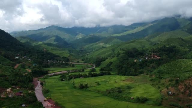 reis-terrassen-luftaufnahme bei nan, norden von thailand - malaysia stock-videos und b-roll-filmmaterial