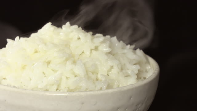 rice - reis grundnahrungsmittel stock-videos und b-roll-filmmaterial
