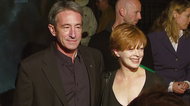 vídeos de stock, filmes e b-roll de richard chavez and frances fisher at the 'flags of our fathers' los angeles premiere at academy of motion picture arts sciences in los angeles... - academy of motion picture arts and sciences