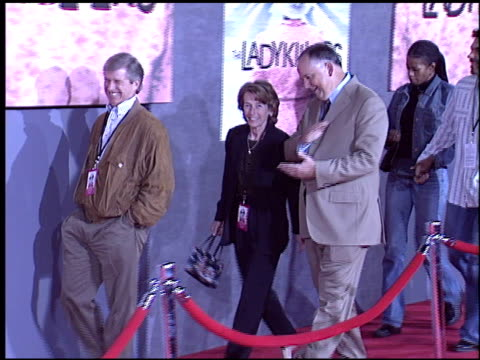 richard cook at the premiere of 'the ladykillers' at the el capitan theatre in hollywood, california on march 12, 2004. - el capitan theatre stock videos & royalty-free footage