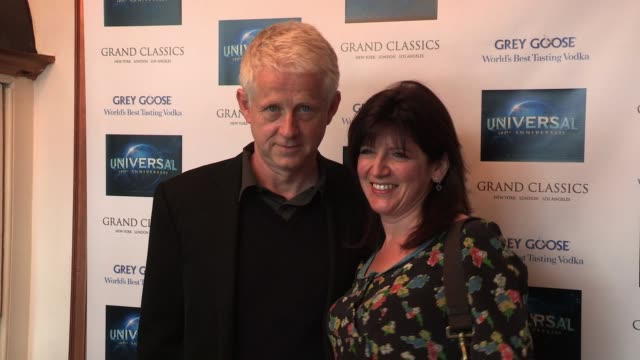 vidéos et rushes de richard curtis and emma freud richard curtis and emma freud at the electric cinema on april 30, 2012 in london, england - emma freud