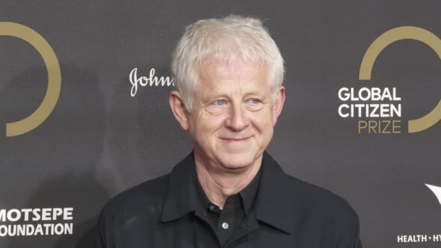 richard curtis at global citizen prize at royal albert hall on december 13, 2019 in london, england. - royal albert hall点の映像素材/bロール