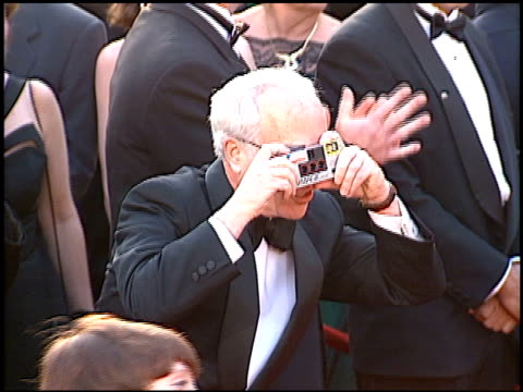 richard dreyfuss at the 1996 academy awards arrivals at the shrine auditorium in los angeles, california on march 25, 1996. - 第68回アカデミー賞点の映像素材/bロール