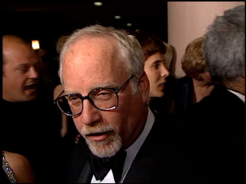 vídeos de stock e filmes b-roll de richard dreyfuss at the american cinema awards at the bonaventure hotel in los angeles california on november 2 1996 - richard dreyfuss