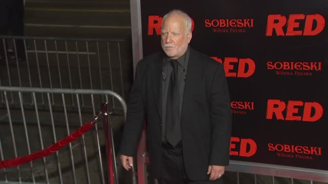 vídeos de stock e filmes b-roll de richard dreyfuss at the 'red' premiere at hollywood ca - richard dreyfuss