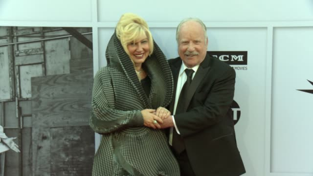 vídeos de stock e filmes b-roll de richard dreyfuss svetlana erokhin at afi life achievement award gala tribute to diane keaton in los angeles ca - richard dreyfuss