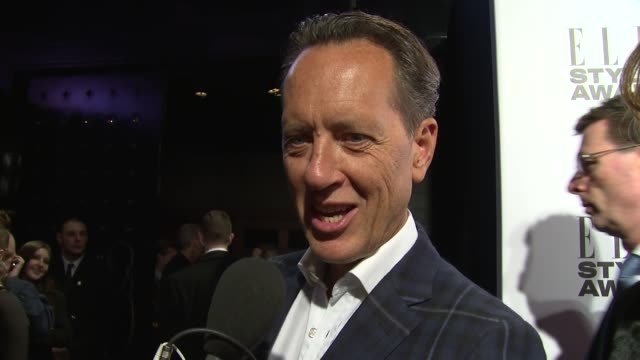 vídeos de stock e filmes b-roll de richard e. grant on his perfume and gravity at elle style awards arrivals at one embankment on february 18, 2014 in london, england. - richard e. grant