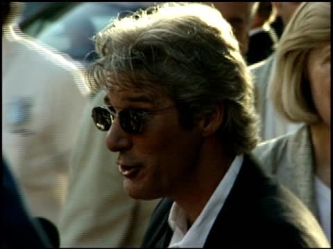 richard gere at the 'runaway bride' premiere on july 25 1999 - runaway stock videos & royalty-free footage