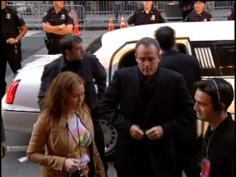 richard hatch arrives to the 2000 video music awards at radio city music hall - radio city music hall stock videos and b-roll footage