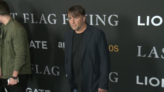 stockvideo's en b-roll-footage met richard linklater at amazon studios and lionsgate present the los angeles premiere of last flag flying in los angeles ca - richard linklater