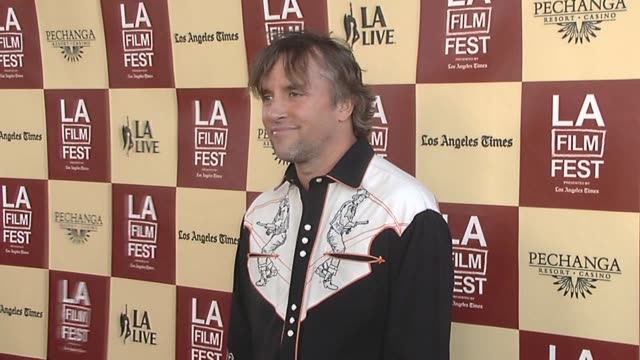 stockvideo's en b-roll-footage met richard linklater at the the 2011 los angeles film festival presents the opening night world premiere of 'bernie' at los angeles ca - richard linklater