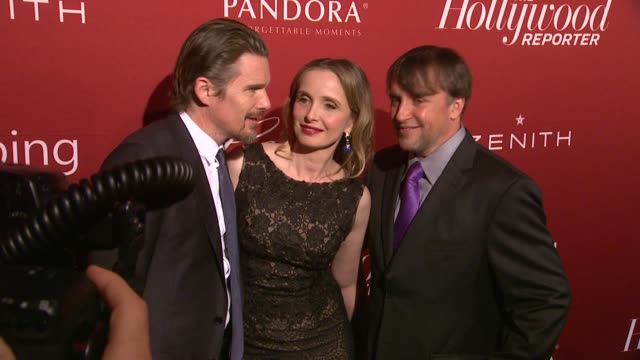 stockvideo's en b-roll-footage met richard linklater julie delpy and ethan hawke at the hollywood reporter's annual nominees night party at spago on in beverly hills california - richard linklater