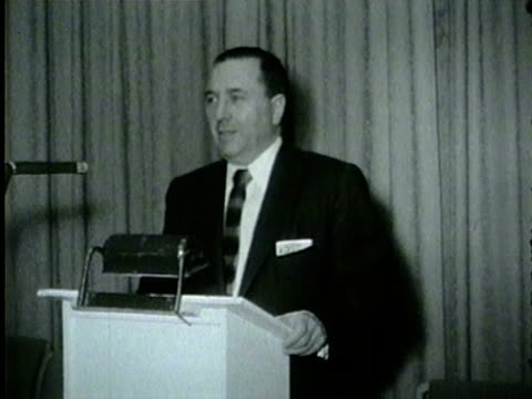 vidéos et rushes de wgn richard m daley the democratic nominee for mayor and the party's cook county chairman meets with slatemakers to find a replacement for resigned... - 1955