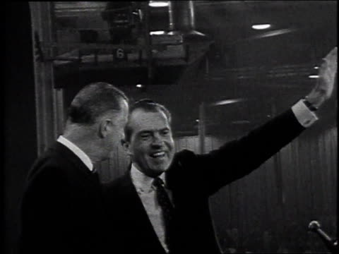 richard nixon and spiro agnew waving / miami beach florida united states - 1968年点の映像素材/bロール